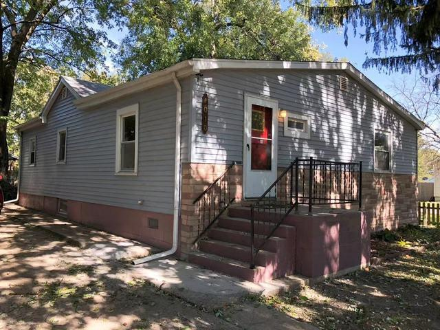 1010 W Eureka Street, Champaign, IL 61821 (MLS #10392853) :: Ani Real Estate