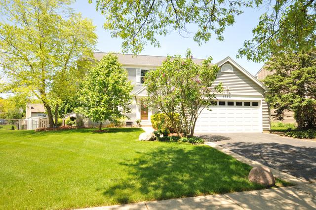 1330 Woodlake Drive, Carol Stream, IL 60188 (MLS #10392872) :: Baz Realty Network | Keller Williams Elite
