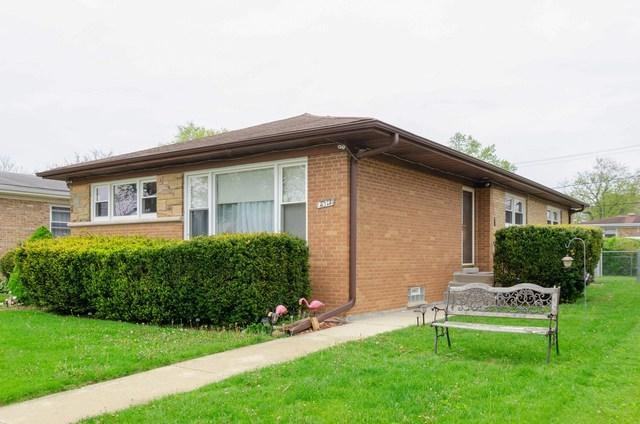 8511 Drake Avenue, Skokie, IL 60076 (MLS #10393078) :: The Dena Furlow Team - Keller Williams Realty