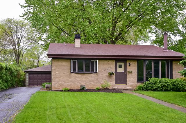 900 Noel Drive, Mundelein, IL 60060 (MLS #10393279) :: Ani Real Estate