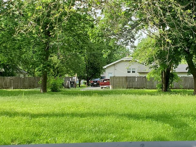 956 E Harrison Avenue, Decatur, IL 62526 (MLS #10397813) :: Berkshire Hathaway HomeServices Snyder Real Estate