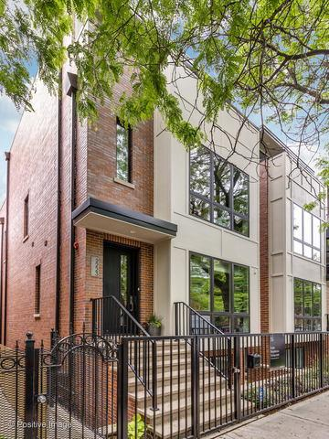 2223 W Lyndale Street, Chicago, IL 60647 (MLS #10398168) :: John Lyons Real Estate