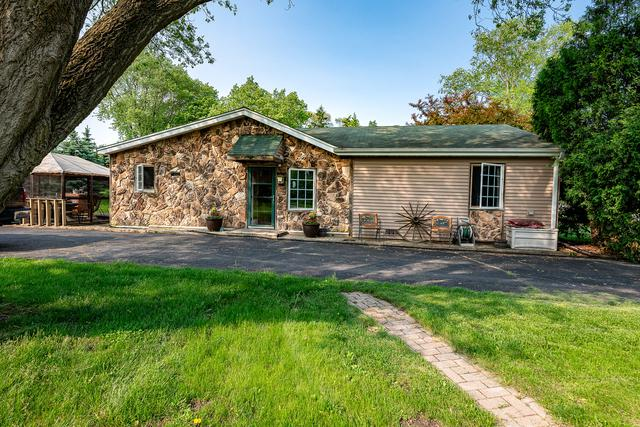 28572 N Jackson Avenue, Wauconda, IL 60084 (MLS #10400023) :: Berkshire Hathaway HomeServices Snyder Real Estate