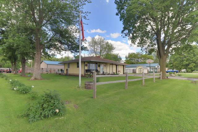 427 W Boundary Street, Stanford, IL 61774 (MLS #10400125) :: Angela Walker Homes Real Estate Group