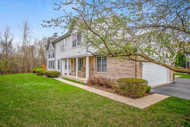 1070 Sweetflower Drive #1070, Hoffman Estates, IL 60169 (MLS #10400469) :: Angela Walker Homes Real Estate Group