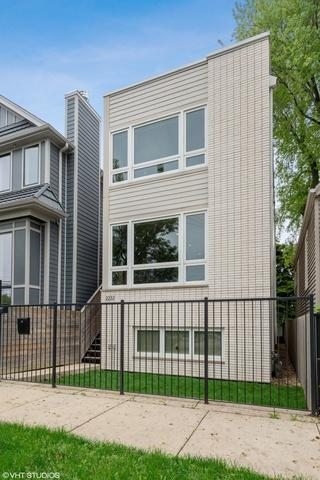 2232 W Oakdale Avenue, Chicago, IL 60618 (MLS #10401535) :: Touchstone Group