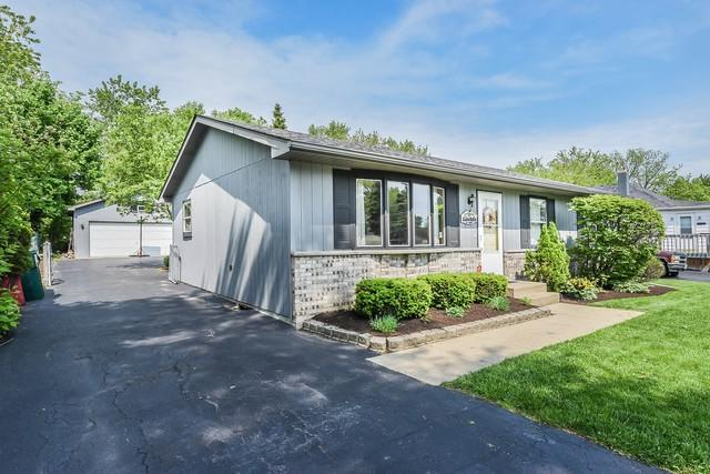 38072 N Cornell Road, Beach Park, IL 60087 (MLS #10403274) :: BNRealty