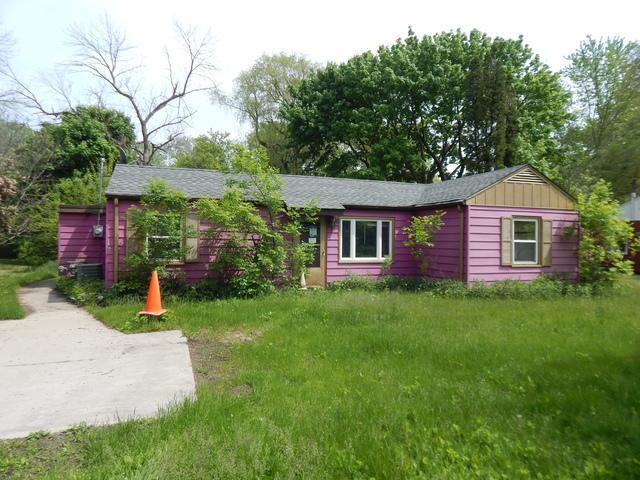 163 113th Street, Pleasant Prairie, WI 53158 (MLS #10404153) :: Baz Realty Network | Keller Williams Elite