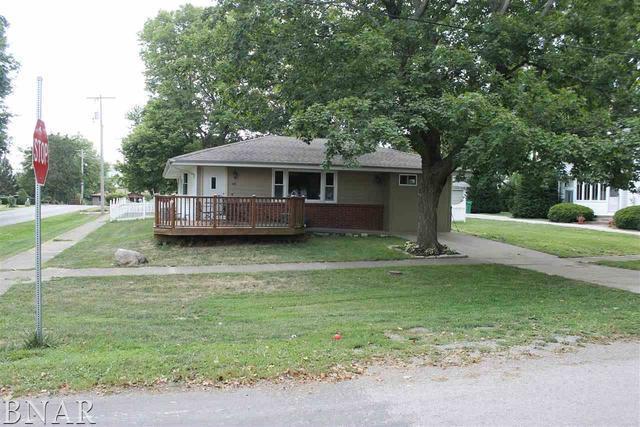 407 S Isham Street, Waynesville, IL 61778 (MLS #10404178) :: Angela Walker Homes Real Estate Group