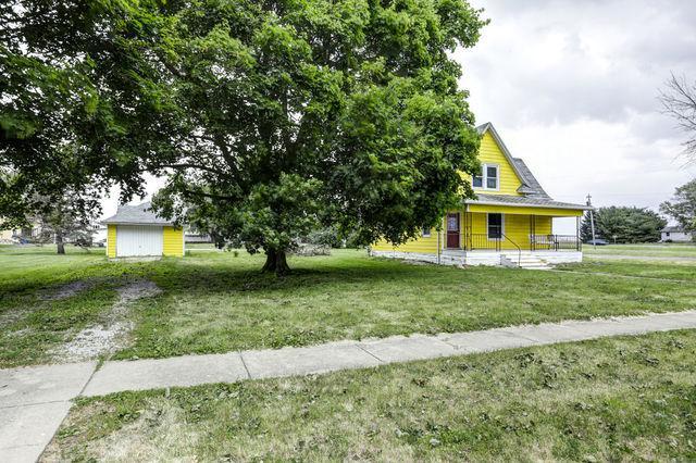 100 Main Street, Thomasboro, IL 61878 (MLS #10404225) :: Baz Realty Network | Keller Williams Elite