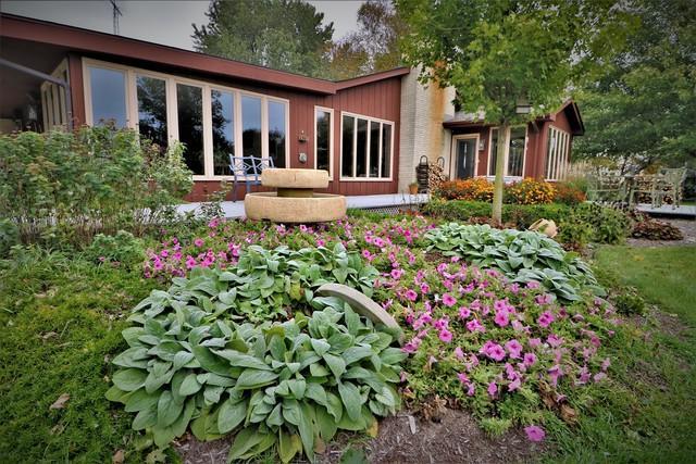 25991 Glidden Road, Clare, IL 60111 (MLS #10404353) :: Angela Walker Homes Real Estate Group