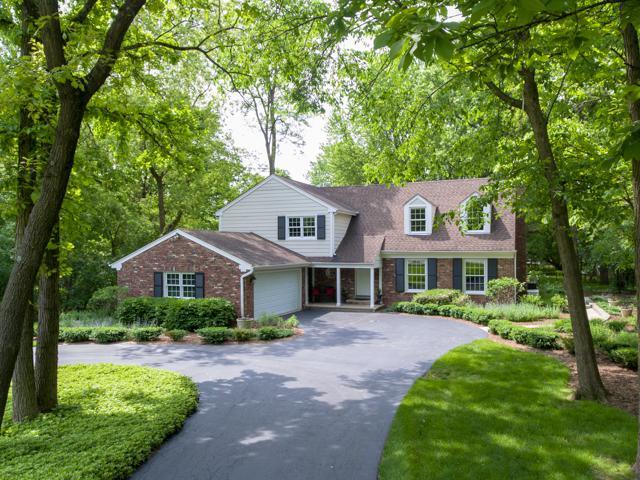 25060 N Pawnee Road, Lake Barrington, IL 60010 (MLS #10405937) :: Ryan Dallas Real Estate