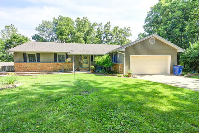 1174 Karen Drive, MONTICELLO, IL 61856 (MLS #10406172) :: Ryan Dallas Real Estate