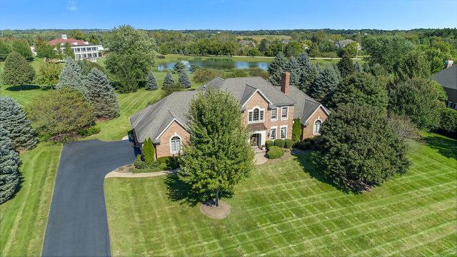 5N575 E Lakeview Circle, St. Charles, IL 60175 (MLS #10406782) :: Berkshire Hathaway HomeServices Snyder Real Estate