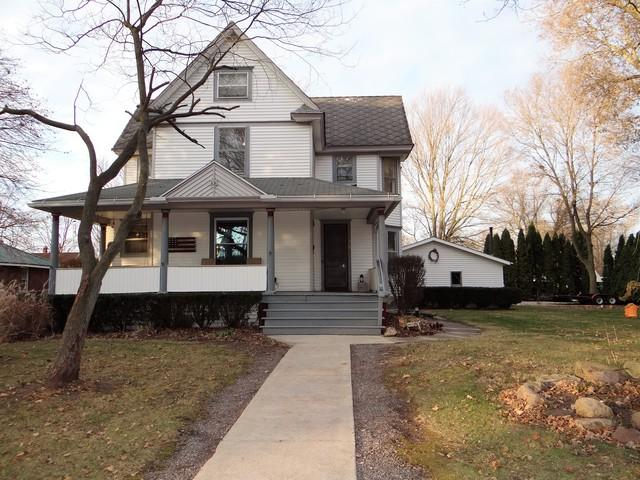 105 W 2nd Street, Broadlands, IL 61816 (MLS #10407126) :: Baz Realty Network   Keller Williams Elite