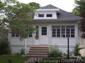 106 W Ensey Street, Tuscola, IL 61953 (MLS #10407218) :: Lewke Partners