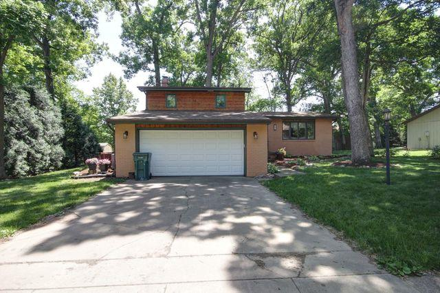 505 W Oda Drive, Mahomet, IL 61853 (MLS #10407275) :: The Dena Furlow Team - Keller Williams Realty