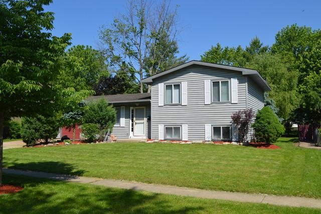 934 Aberdeen Drive, Crystal Lake, IL 60014 (MLS #10408526) :: The Mattz Mega Group