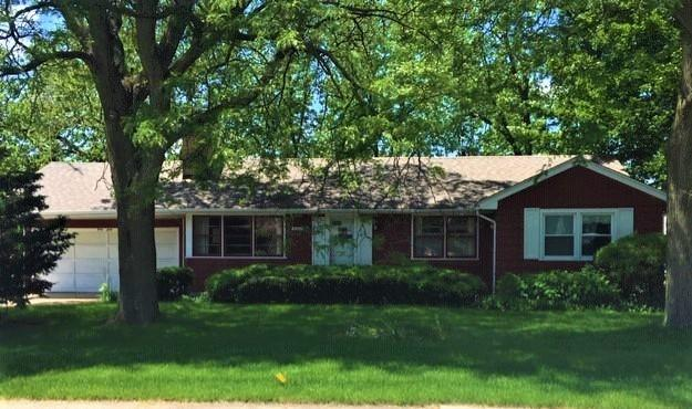 4060 Fairview Avenue, Downers Grove, IL 60515 (MLS #10408742) :: The Dena Furlow Team - Keller Williams Realty