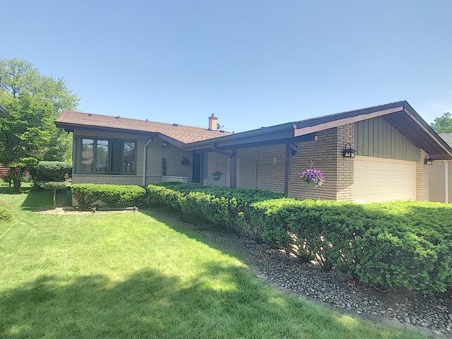 1513 Raymond Avenue, La Grange Park, IL 60526 (MLS #10409029) :: Touchstone Group