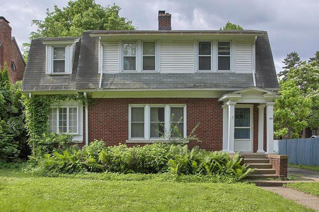 711 W Ohio Street, Urbana, IL 61801 (MLS #10410467) :: Littlefield Group