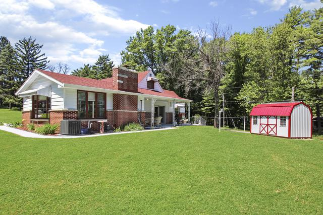1044 Woodside Drive, Freeport, IL 61032 (MLS #10410748) :: John Lyons Real Estate