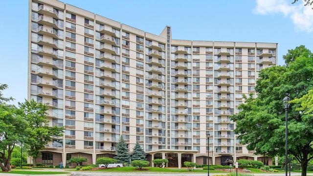 40 N Tower Road 10H, Oak Brook, IL 60523 (MLS #10411098) :: Angela Walker Homes Real Estate Group