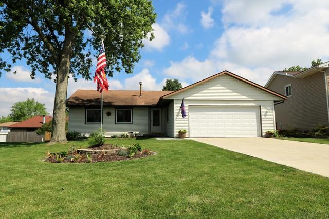 4 Ivey Court, Bloomington, IL 61701 (MLS #10411550) :: Baz Realty Network | Keller Williams Elite