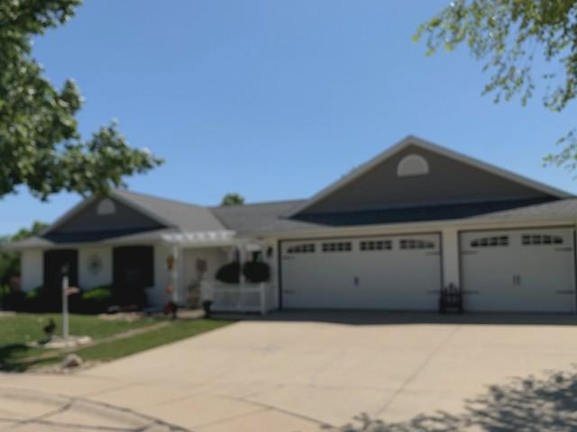 3603 Brook Ridge Circle, Champaign, IL 61821 (MLS #10411683) :: Baz Realty Network | Keller Williams Elite