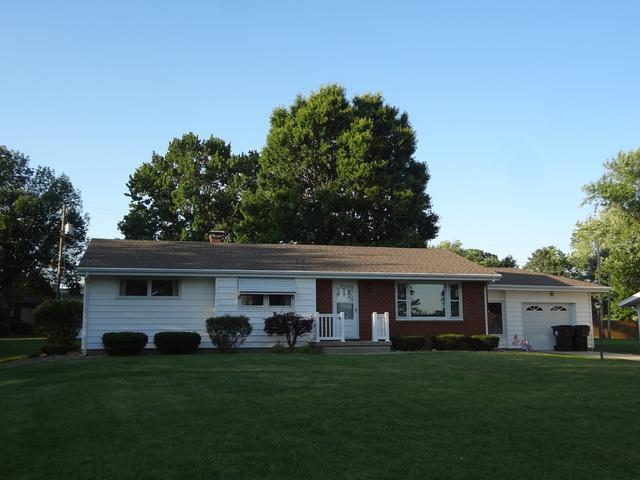 31 Cypress Drive, CLINTON, IL 61727 (MLS #10411793) :: Berkshire Hathaway HomeServices Snyder Real Estate