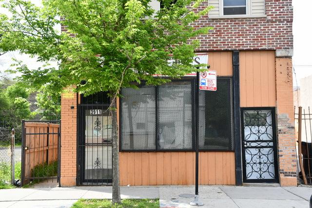 3911 Chicago Avenue, Chicago, IL 60651 (MLS #10412346) :: Domain Realty