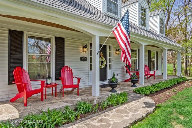 1 Bellwood Drive, Barrington Hills, IL 60010 (MLS #10412805) :: John Lyons Real Estate