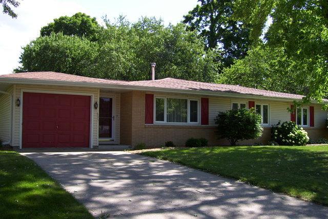 603 Cedar Lane, MONTICELLO, IL 61856 (MLS #10413077) :: Littlefield Group