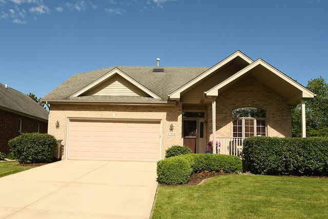 17416 Longwood Drive, Orland Park, IL 60467 (MLS #10413548) :: Berkshire Hathaway HomeServices Snyder Real Estate