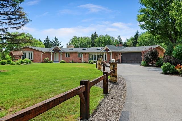 147 Old Dundee Road, Barrington, IL 60010 (MLS #10414629) :: John Lyons Real Estate