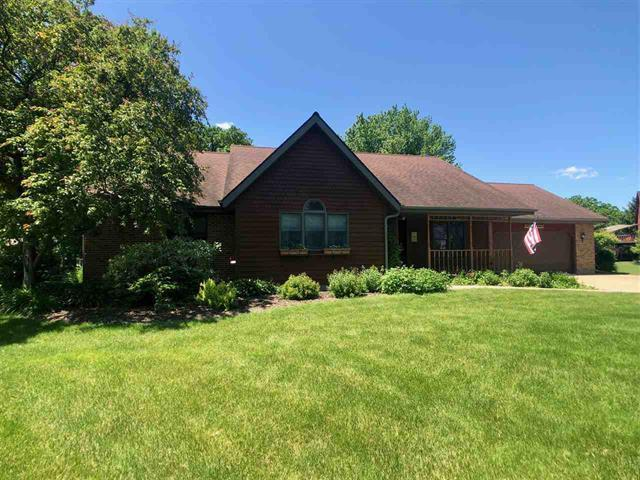8391 E Hales Corner Road, Stillman Valley, IL 61084 (MLS #10414718) :: Ani Real Estate