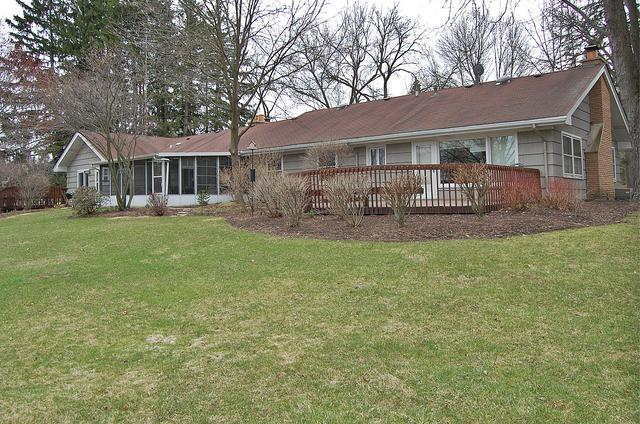 16208 W Port Clinton Road, Lincolnshire, IL 60069 (MLS #10414733) :: Helen Oliveri Real Estate