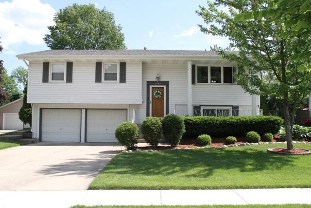 1421 Concord Lane, Schaumburg, IL 60193 (MLS #10414971) :: Angela Walker Homes Real Estate Group