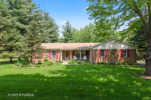 90 Parkview Court, Crystal Lake, IL 60012 (MLS #10415048) :: Berkshire Hathaway HomeServices Snyder Real Estate