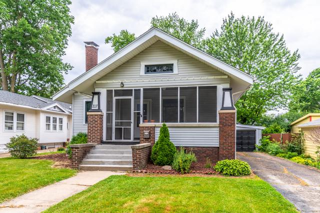 217 Woodland Avenue, Bloomington, IL 61701 (MLS #10415249) :: The Perotti Group | Compass Real Estate