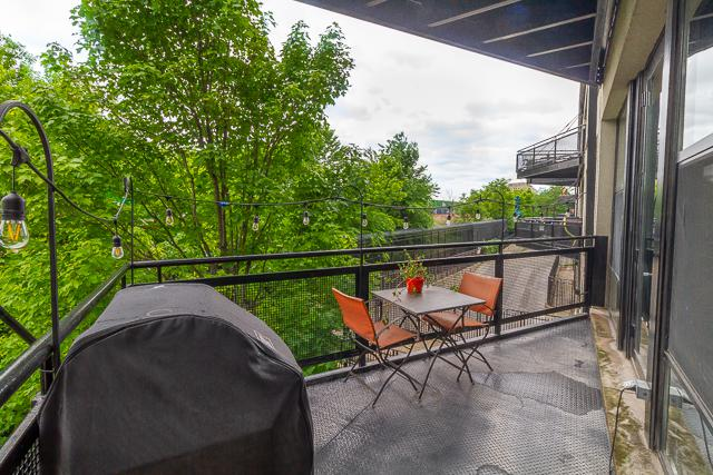 1071 W 15th Street #203, Chicago, IL 60608 (MLS #10415804) :: John Lyons Real Estate