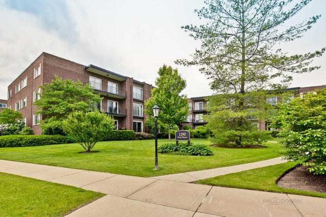 1290 N Western Avenue #109, Lake Forest, IL 60045 (MLS #10415856) :: Helen Oliveri Real Estate