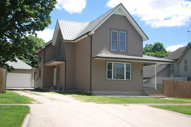 802 Douglas Avenue, Ashton, IL 61006 (MLS #10416047) :: Property Consultants Realty