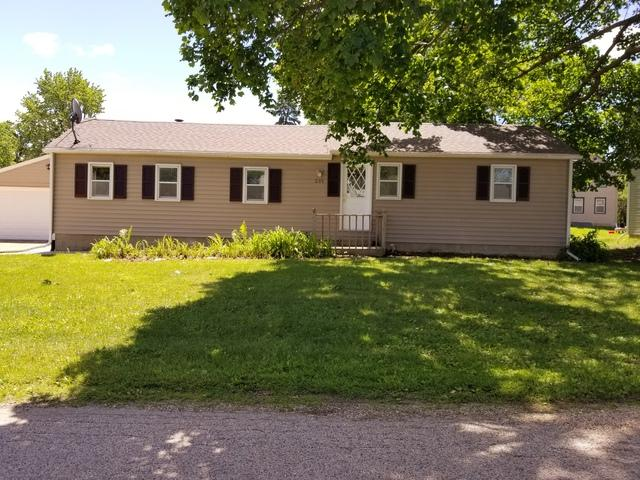 205 W Avon Street, Forreston, IL 61030 (MLS #10416087) :: Property Consultants Realty