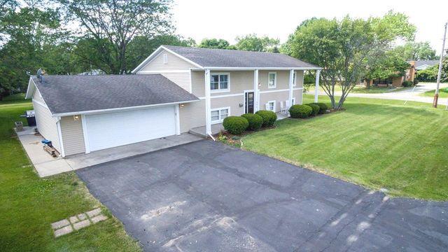 302 8th Avenue, Chenoa, IL 61726 (MLS #10416527) :: Property Consultants Realty