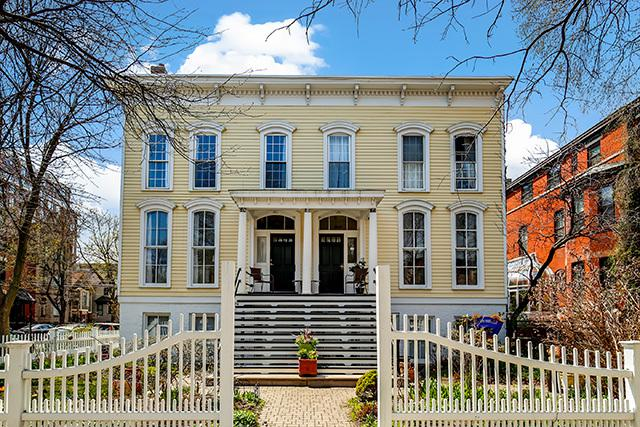 2234 N Cleveland Avenue, Chicago, IL 60614 (MLS #10416631) :: John Lyons Real Estate