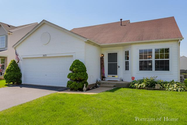 1621 Amaryllis Drive, Romeoville, IL 60446 (MLS #10416946) :: Berkshire Hathaway HomeServices Snyder Real Estate