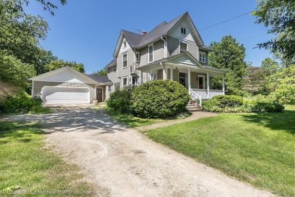 32W028 Army Trail Road, Wayne, IL 60184 (MLS #10416988) :: The Perotti Group | Compass Real Estate