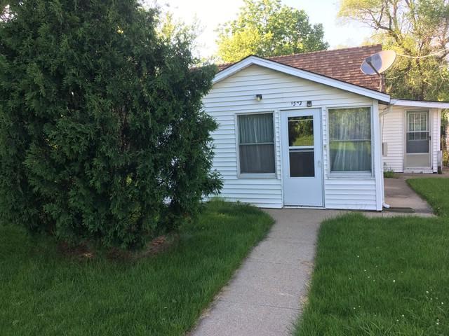 1323 Woodlawn Avenue, Dixon, IL 61021 (MLS #10417082) :: Property Consultants Realty