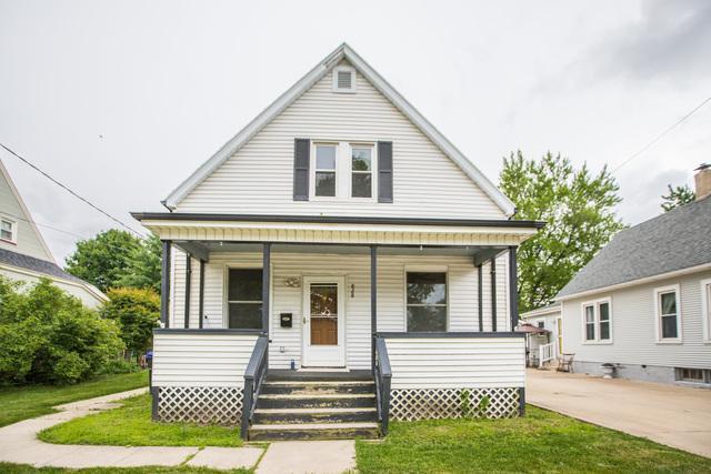 828 W Oakland Avenue, Bloomington, IL 61701 (MLS #10417247) :: The Perotti Group | Compass Real Estate
